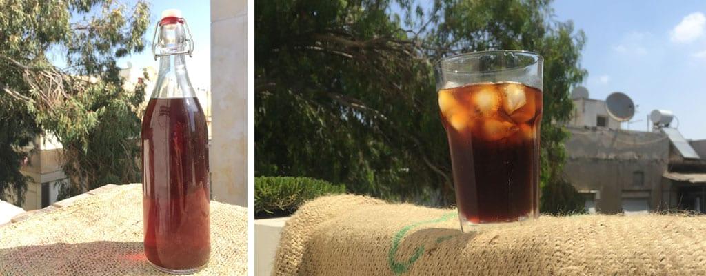 כוס וקנקן קפה קר