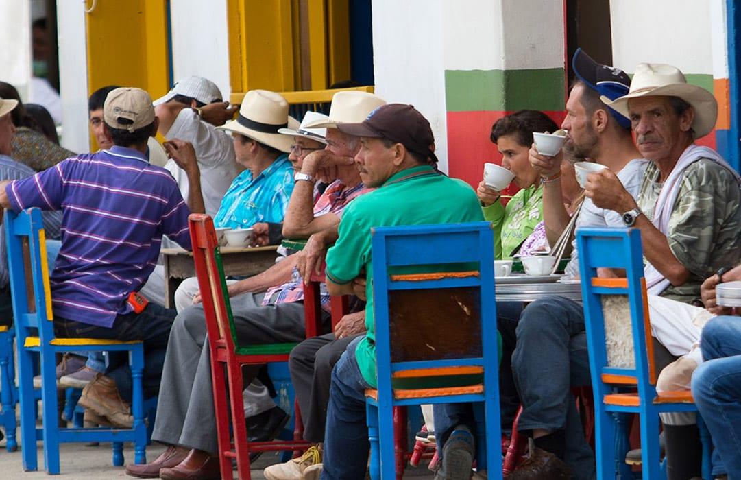 קולמביה בית קפה ברחוב
