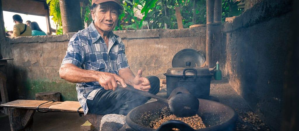 הכנת קפה באינדונזיה
