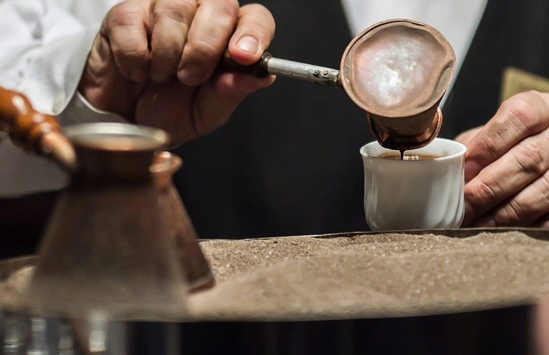 קפה טורקי נמזג חם