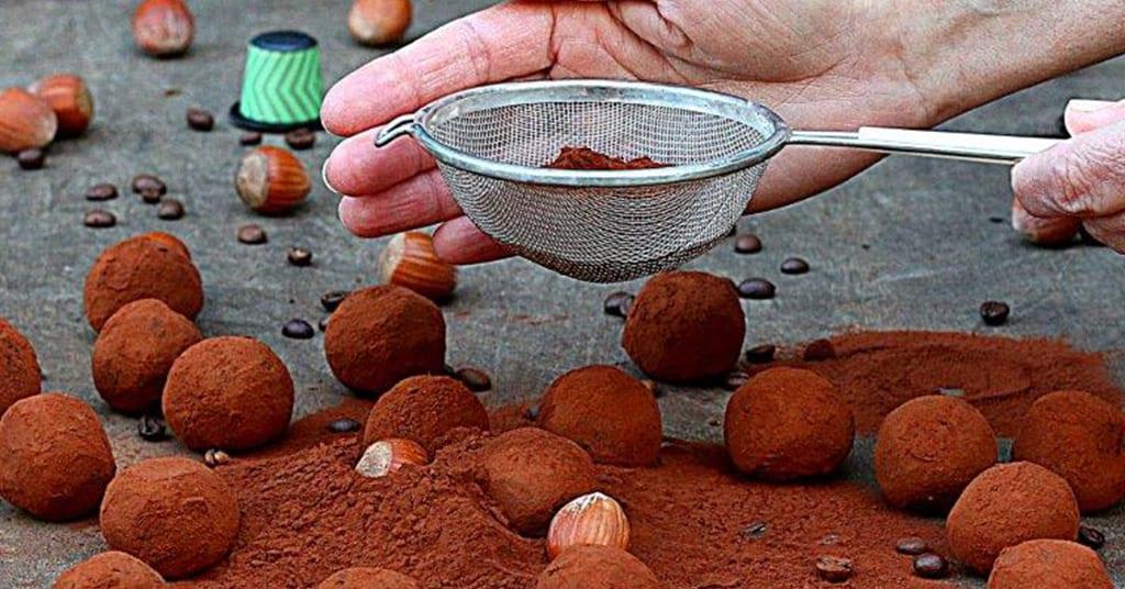 טראפלס שוקולד וקפה בטעם אגוזי לוז
