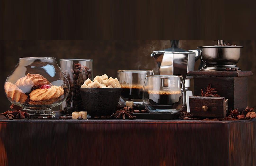 אוירת קפה עם סוגים שונים של קפה ממכונה